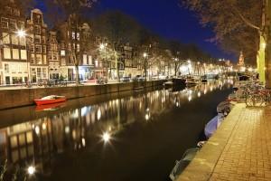 amsterdam-734235_640